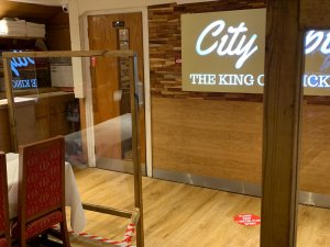 City Spice screens to limit spread of covid-19